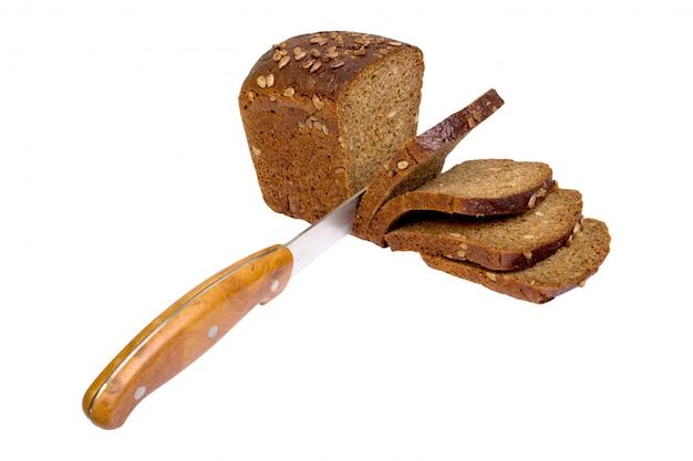 Pão fatiado isolado
