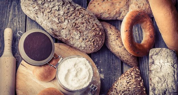 Pão fresco diverso
