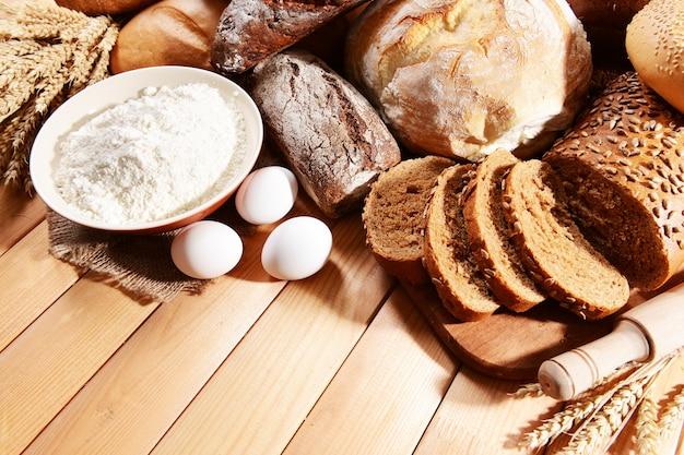 Pão fresco na mesa