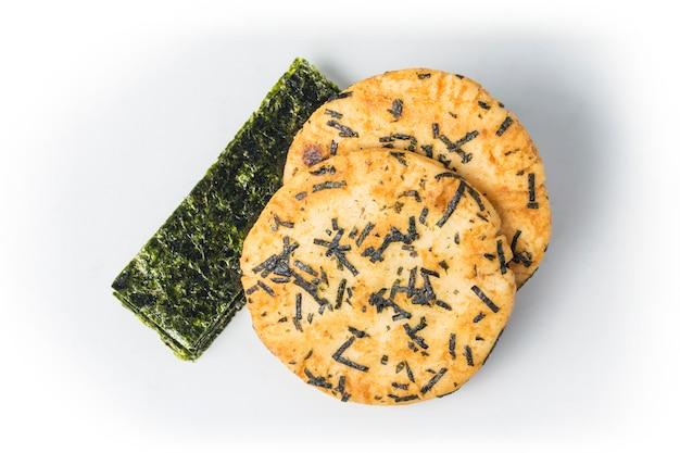 Pão friável com algas