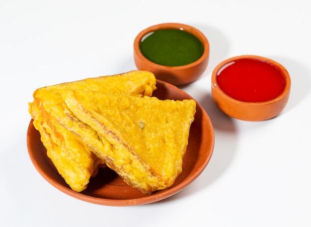 Pão frito indiano pakora do lanche