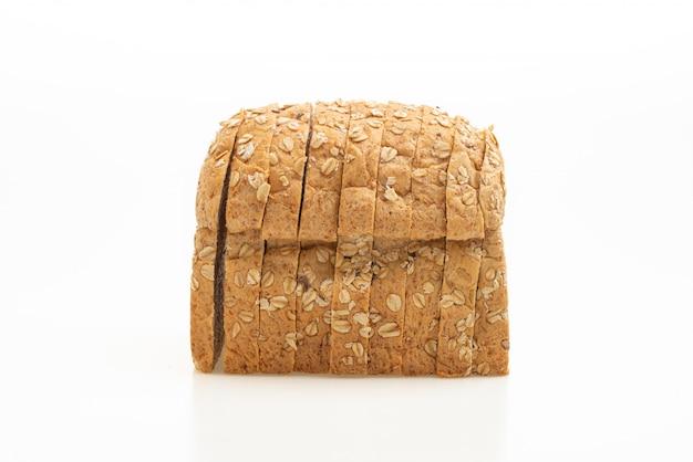 Pão integral fatiado isolado