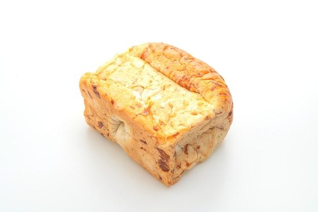Pão isolado no fundo branco