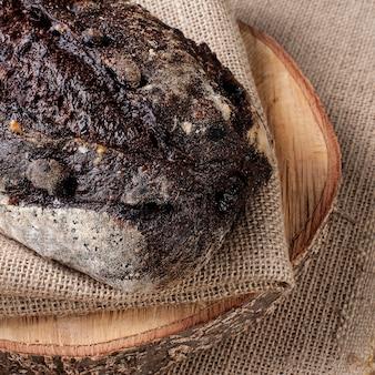 Pão italiano de cacau com fermentação natural.