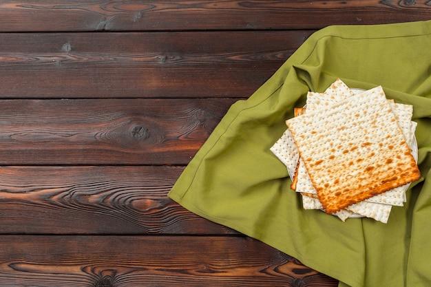 Pão matzo tradicional judaico da páscoa