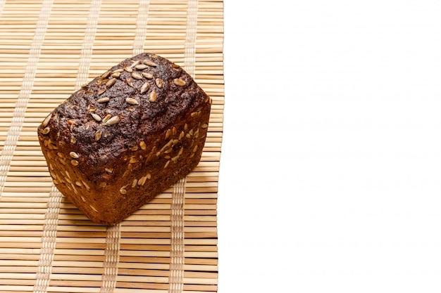 Pão orgânico tostado de pão de centeio