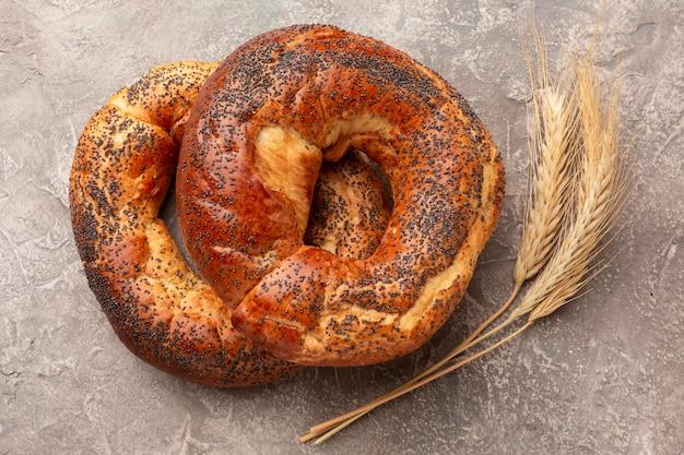 Pão saboroso com sementes de papoila