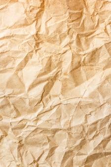 Papel amassado marrom velho