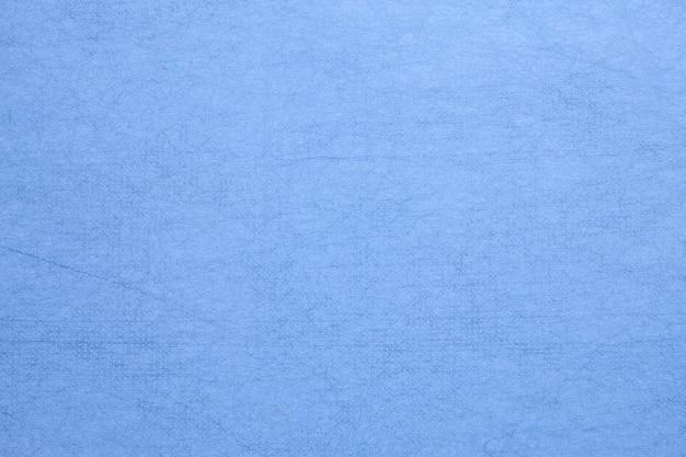 Papel amora feito à mão na cor azul.