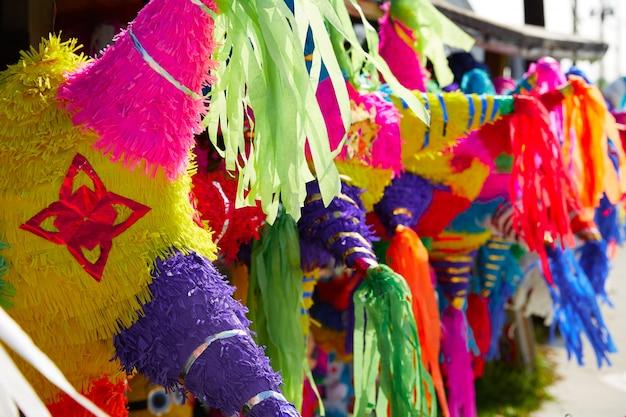 Papel colorido do pinatas do partido mexicano