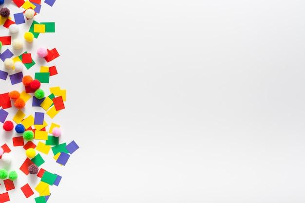 Papel colorido e espaço para texto