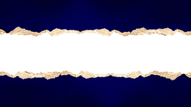 Papel com papel rasgado ou azul rasgado com caminho de corte para design abstrato e espaço de cópia.