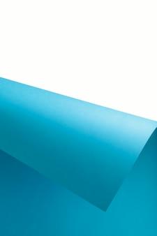 Papel de cor azul e branco geométrico