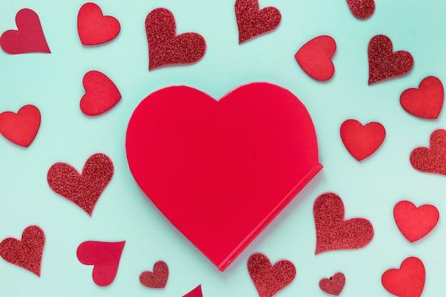 Papel de dia dos namorados com corações