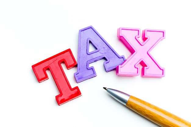 Papel de nota em branco com imposto