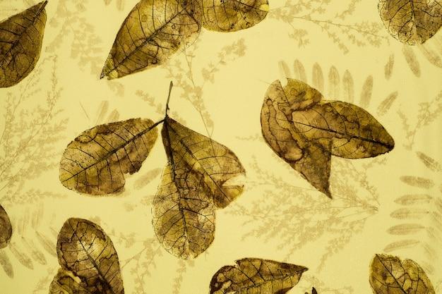 Papel de parede de padrão de tecido retrô com ornamento floral colorido