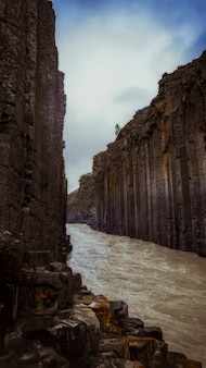 Papel de parede do telefone móvel stuðlagil canyon no leste da islândia