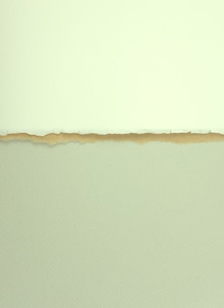 Papel de titânio branco marrom pastel cinza com rasgo exclusivo do lado sobreposto