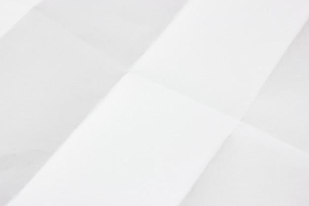Papel dobrado branco