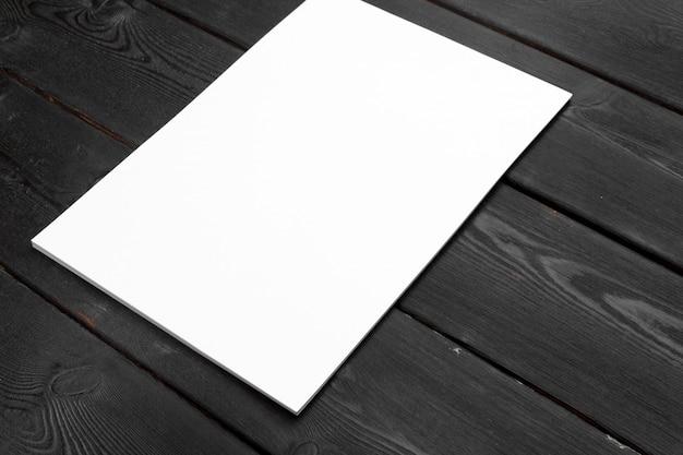 Papel em branco ou documento para papel timbrado da empresa