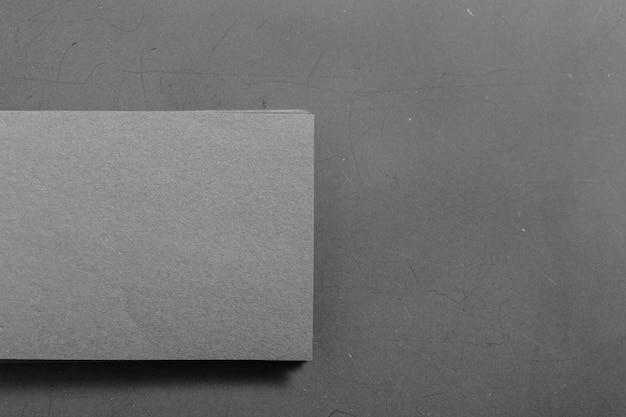 Papel em branco preto