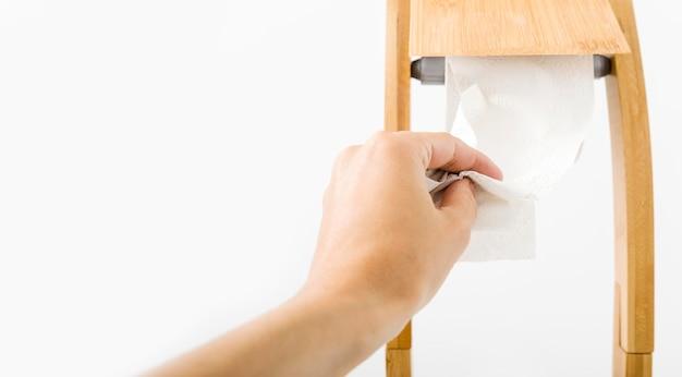 Papel higiênico doméstico para banheiro