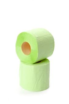 Papel higiênico isolado no branco