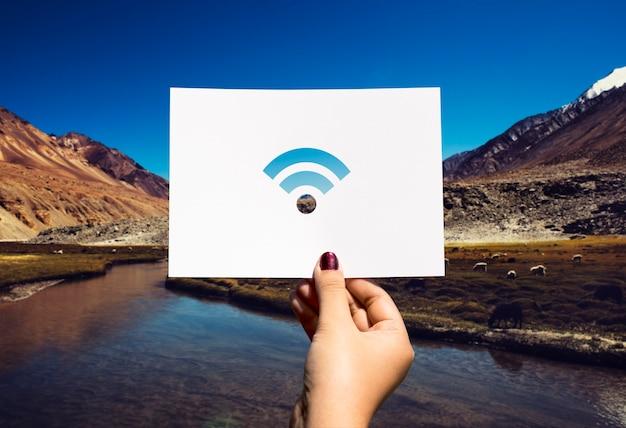 Papel perfurado com conexão à internet wifi