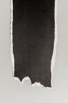 Papel rasgado preto