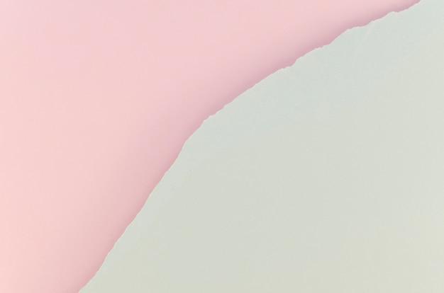 Papel rasgado rosa e branco