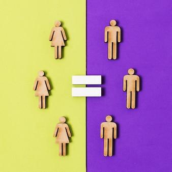 Papelão pessoas mulheres e homens igualdade