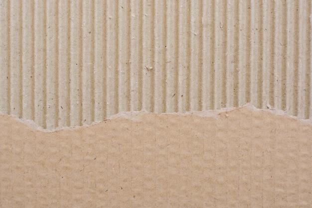 Papelão rasgado reciclado texturizado