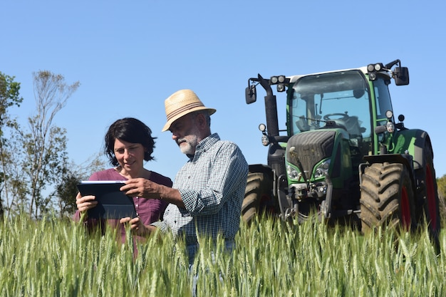 Par, agricultores, campo, digital, tabuleta