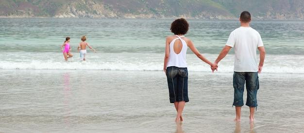 Par, andar, praia