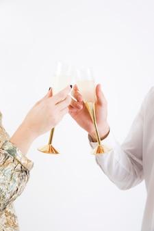 Par, brindar, copos champanha