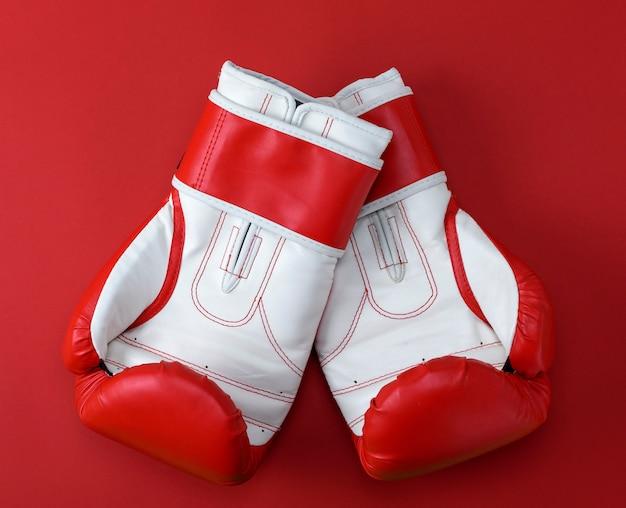 Par de luvas de boxe de couro vermelho-branco
