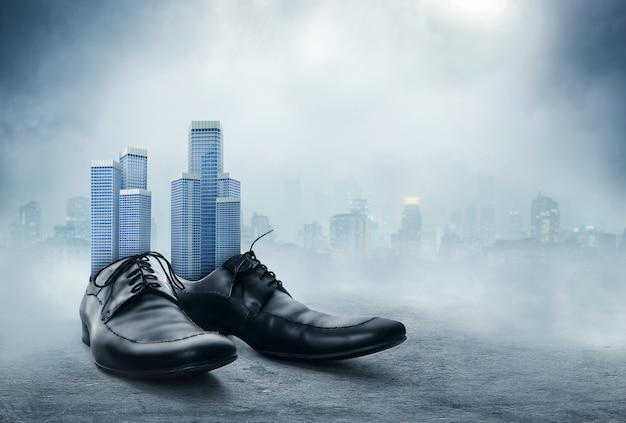 Par de sapatos masculinos pretos clássicos
