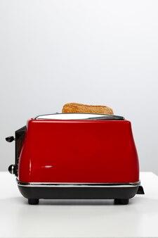 Par de torradas preparadas em uma torradeira