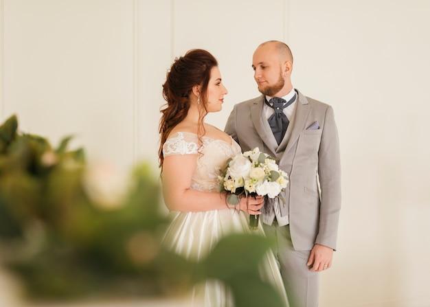 Par, newlyweds, posar