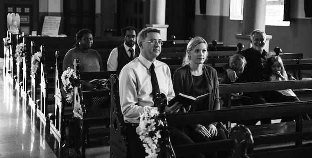 Par religioso, em, um, igreja