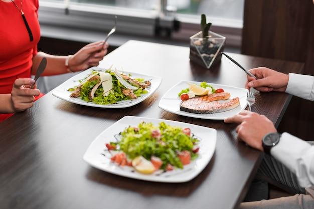 Par, tendo jantar, em, um, restaurante