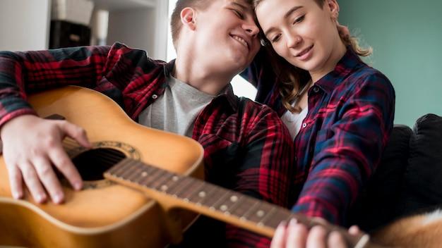 Par, violão jogo