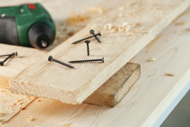 Parafusos de madeira para carpintaria a bordo