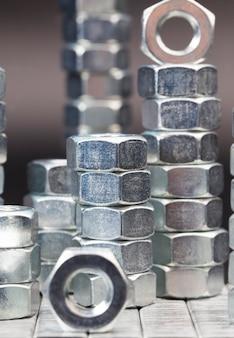 Parafusos de metal de aço e outros fixadores feitos de liga de aço de alta qualidade e outros elementos para trabalho de alta qualidade