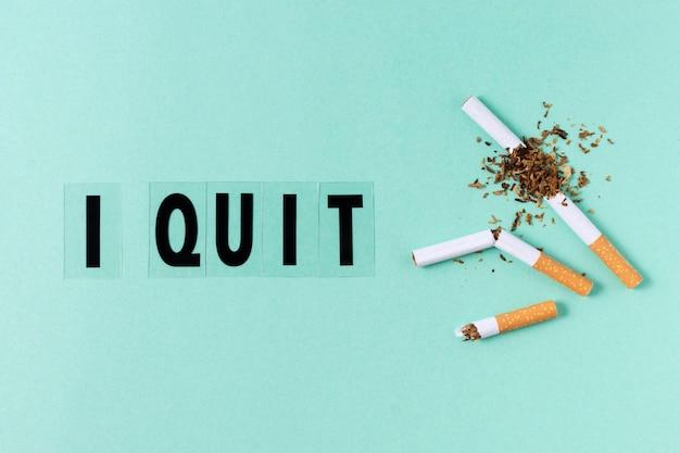 Parando o conceito com cigarro quebrado