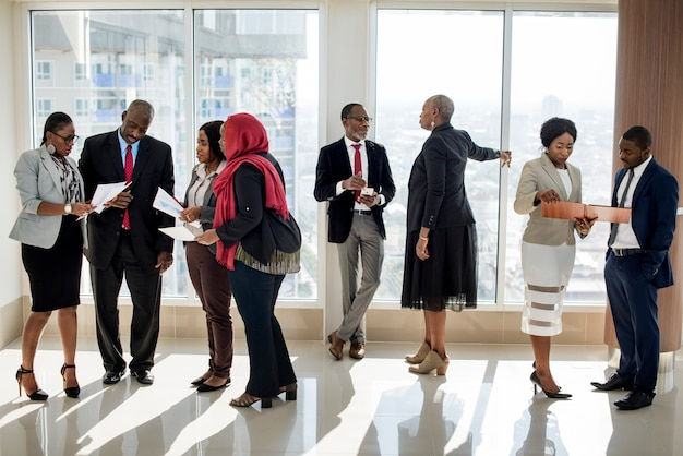 Parceria de conferência internacional de pessoas diversas