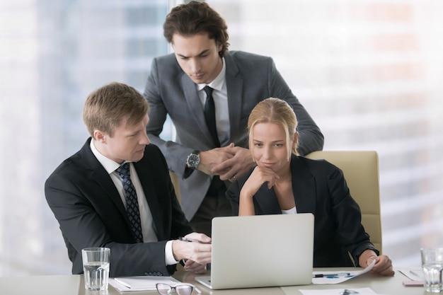 Parceria e conceito de trabalho em equipe