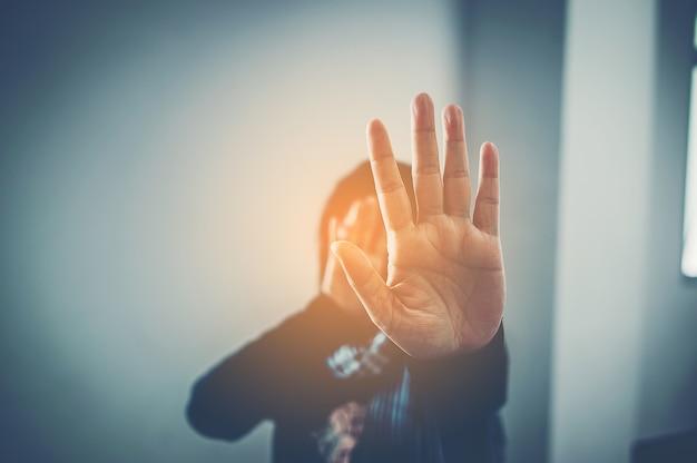 Pare a violência na família