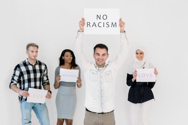 Pare o racismo, sem discriminação racial de pessoas