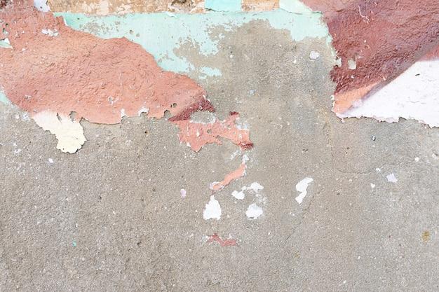 Parede áspera de cimento com casca